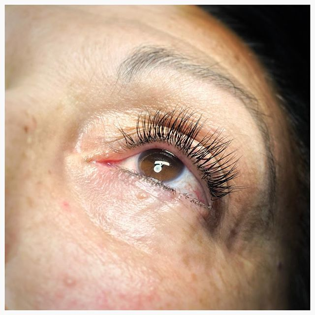 Lash Artistry Stylish And Natural Looking Effect